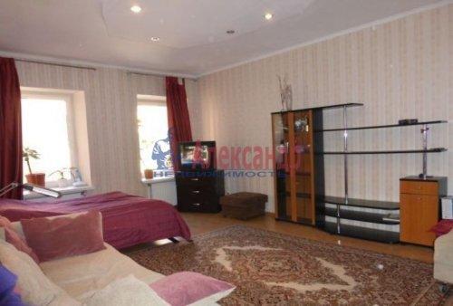 3-комнатная квартира (84м2) на продажу по адресу Старо-Петергофский пр., 10— фото 3 из 14