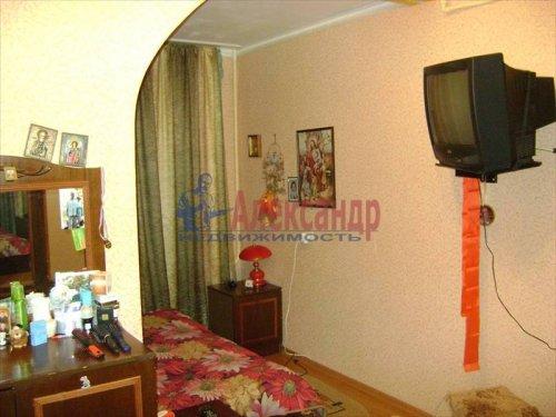 3-комнатная квартира (63м2) на продажу по адресу Коммунар г., Бумажников ул., 7— фото 4 из 8