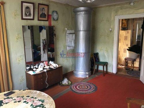 2-комнатная квартира (38м2) на продажу по адресу Ларионово пос., Боровая ул., 1— фото 2 из 7
