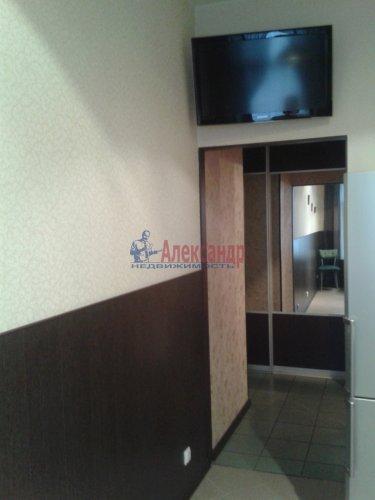 2-комнатная квартира (63м2) на продажу по адресу Кондратьевский пр., 32— фото 9 из 18