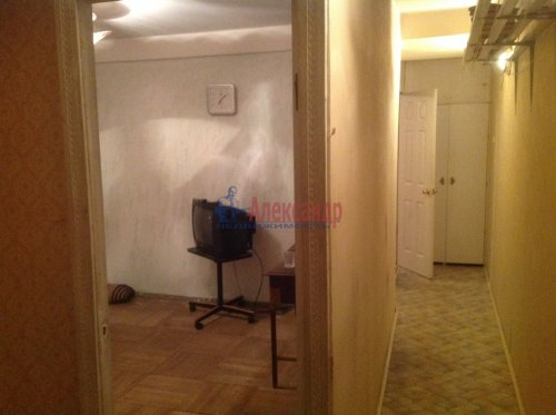 2-комнатная квартира (45м2) на продажу по адресу Новоизмайловский пр., 13— фото 8 из 9