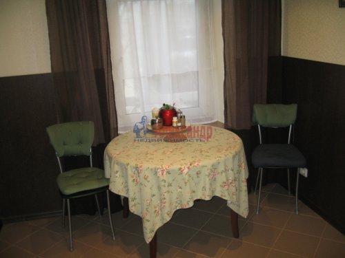2-комнатная квартира (63м2) на продажу по адресу Кондратьевский пр., 32— фото 11 из 18