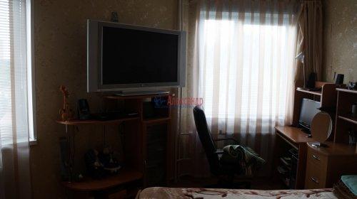 2-комнатная квартира (61м2) на продажу по адресу Мурино пос., Оборонная ул., 2— фото 7 из 7