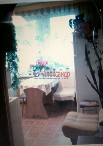 2-комнатная квартира (47м2) на продажу по адресу Смуравьево-2 пос., 13— фото 3 из 15