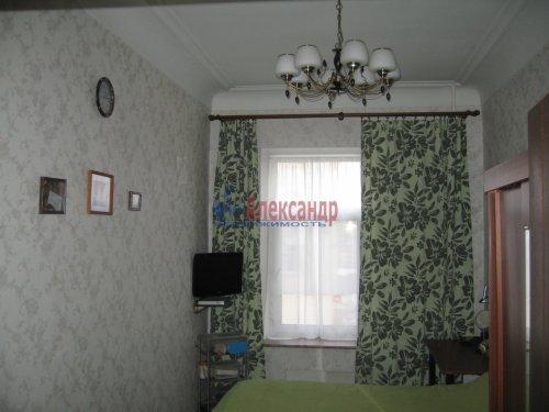 2-комнатная квартира (63м2) на продажу по адресу Кондратьевский пр., 32— фото 14 из 18