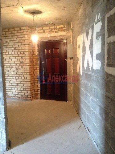 2-комнатная квартира (77м2) на продажу по адресу Александра Матросова ул., 20— фото 7 из 9