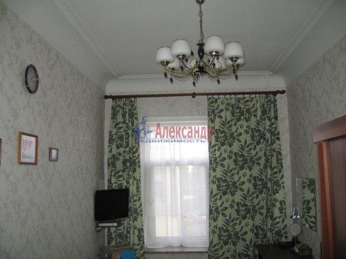 2-комнатная квартира (63м2) на продажу по адресу Кондратьевский пр., 32— фото 15 из 18