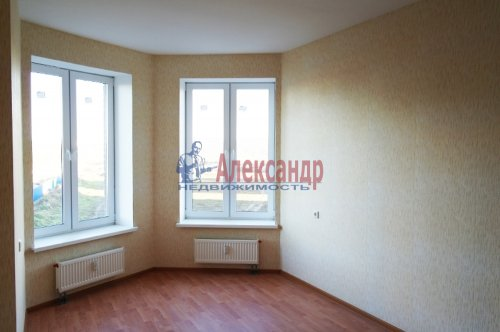 2-комнатная квартира (57м2) на продажу по адресу Мурино пос., Шоссе в Лаврики ул., 85— фото 4 из 9