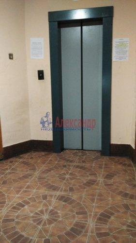 3-комнатная квартира (72м2) на продажу по адресу Обуховской Обороны пр., 144— фото 10 из 11