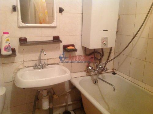2-комнатная квартира (45м2) на продажу по адресу Новоизмайловский пр., 13— фото 9 из 9