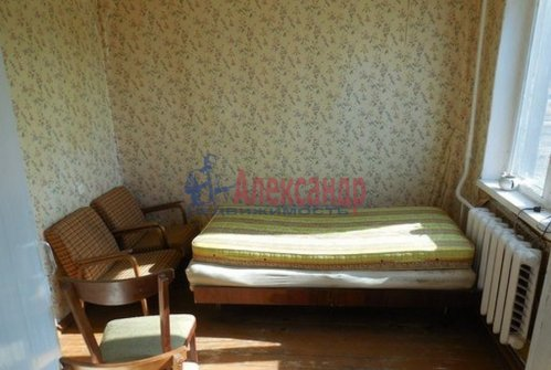 4-комнатная квартира (63м2) на продажу по адресу Гостилицы дер., Комсомольская ул., 5— фото 2 из 11