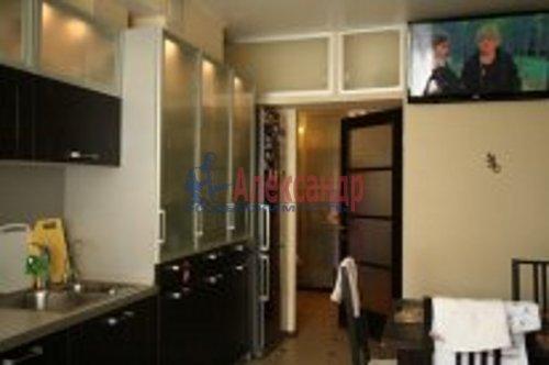 2-комнатная квартира (76м2) на продажу по адресу Береговая ул., 24— фото 5 из 9