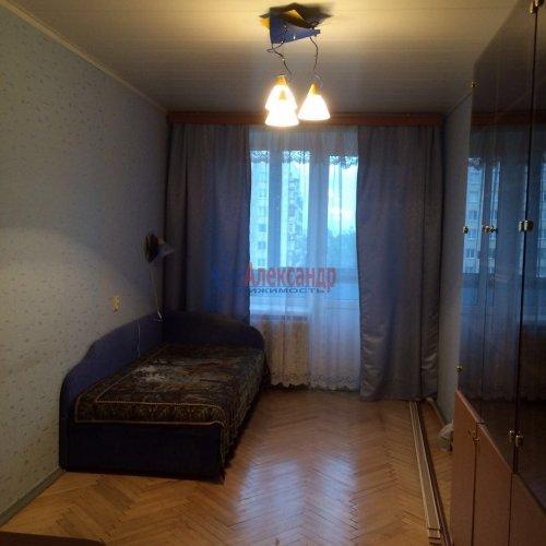 3-комнатная квартира (60м2) на продажу по адресу Славы пр., 30— фото 6 из 10