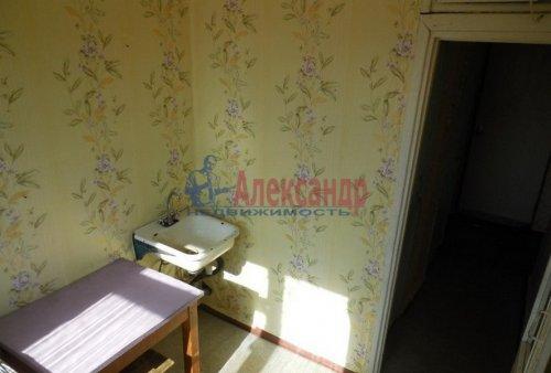 4-комнатная квартира (63м2) на продажу по адресу Гостилицы дер., Комсомольская ул., 5— фото 4 из 11