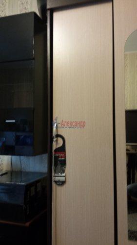 Комната в 4-комнатной квартире (760м2) на продажу по адресу Сестрорецк г., Борисова ул., 9— фото 7 из 9
