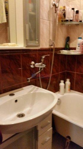 3-комнатная квартира (70м2) на продажу по адресу Ударников пр., 30— фото 3 из 7