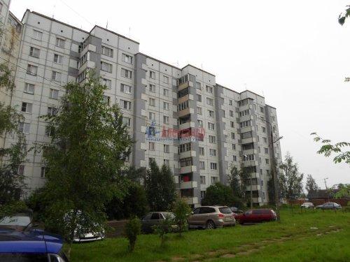 3-комнатная квартира (72м2) на продажу по адресу Коммунар г., Павловская ул., 3— фото 1 из 9