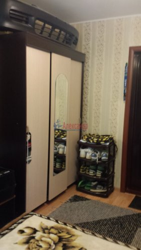 Комната в 4-комнатной квартире (760м2) на продажу по адресу Сестрорецк г., Борисова ул., 9— фото 8 из 9
