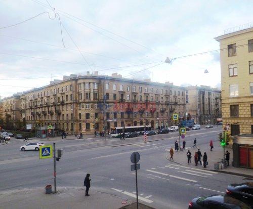 4-комнатная квартира (91м2) на продажу по адресу Стахановцев ул., 7— фото 3 из 9