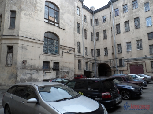 3-комнатная квартира (100м2) на продажу по адресу Моховая ул., 27-29— фото 3 из 19