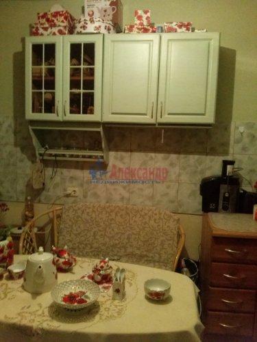 Комната в 9-комнатной квартире (187м2) на продажу по адресу Купчинская ул., 4— фото 2 из 9