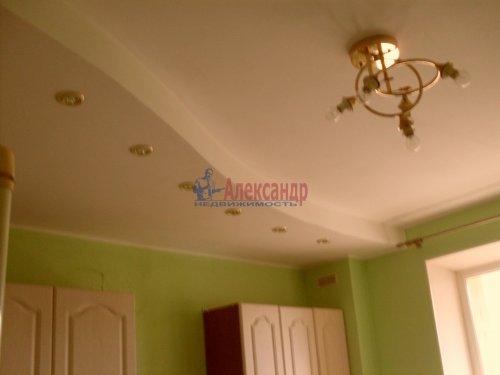 2-комнатная квартира (64м2) на продажу по адресу Рощино пгт., Садовый пер., 6— фото 6 из 10