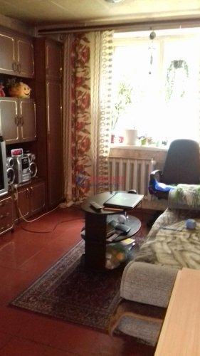 Комната в 8-комнатной квартире (197м2) на продажу по адресу Коллонтай ул., 25— фото 2 из 3