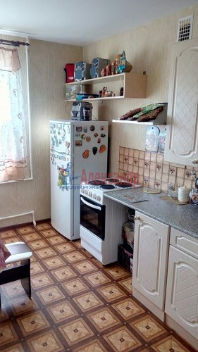 3-комнатная квартира (73м2) на продажу по адресу Плодовое пос., Парковая ул., 8— фото 1 из 11