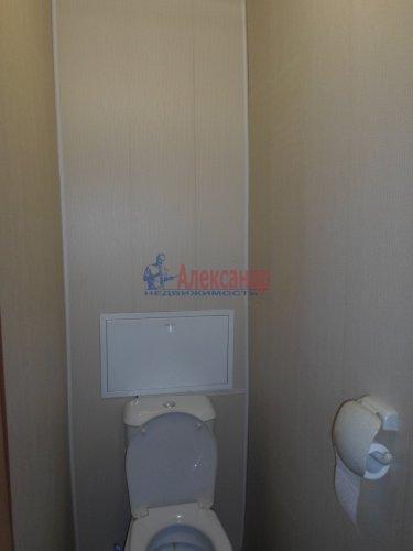 2-комнатная квартира (55м2) на продажу по адресу Коммунар г., Бумажников ул., 5— фото 8 из 9
