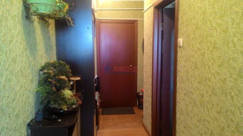 3-комнатная квартира (66м2) на продажу по адресу Кириши г., Ленинградская ул., 5— фото 11 из 18