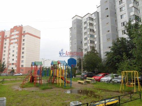 3-комнатная квартира (72м2) на продажу по адресу Коммунар г., Павловская ул., 3— фото 2 из 9
