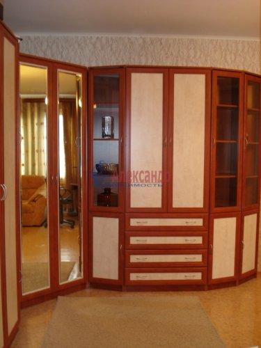 1-комнатная квартира (39м2) на продажу по адресу Оптиков ул., 52— фото 8 из 24