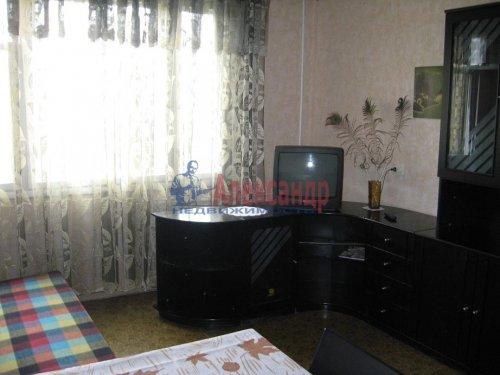 3-комнатная квартира (67м2) на продажу по адресу Тельмана ул., 43— фото 2 из 7