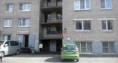 Комната в 8-комнатной квартире (195м2) на продажу по адресу Канонерский о-в, 11— фото 1 из 6