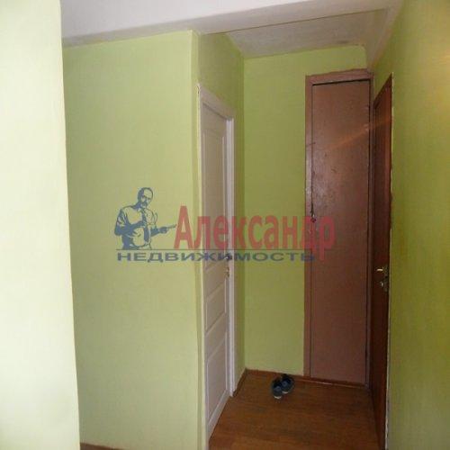 2-комнатная квартира (49м2) на продажу по адресу Апрельская ул., 5— фото 2 из 17