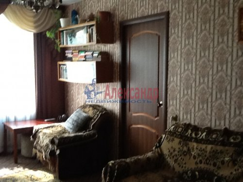 2-комнатная квартира (44м2) на продажу по адресу Коммунар г., Школьная ул., 24— фото 3 из 10