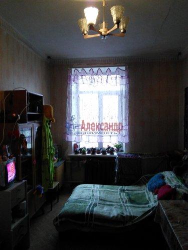 Комната в 9-комнатной квартире (300м2) на продажу по адресу Большеохтинский пр., 7— фото 2 из 5