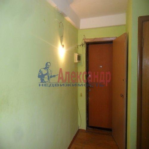 2-комнатная квартира (49м2) на продажу по адресу Апрельская ул., 5— фото 3 из 17