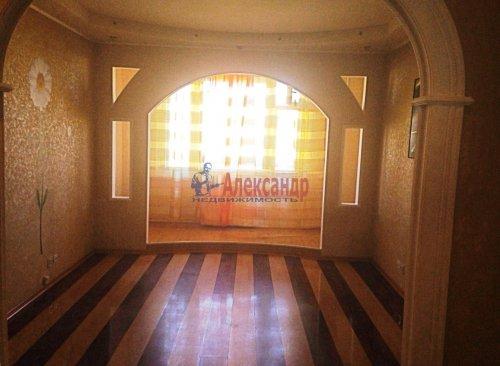 2-комнатная квартира (52м2) на продажу по адресу Индустриальный пр., 10— фото 2 из 10