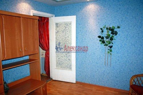 4-комнатная квартира (73м2) на продажу по адресу Раухала пос., Центральная ул., 8— фото 8 из 16