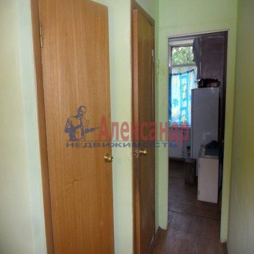 2-комнатная квартира (49м2) на продажу по адресу Апрельская ул., 5— фото 4 из 17