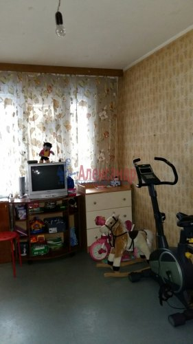 3-комнатная квартира (60м2) на продажу по адресу Ленинский пр., 118— фото 3 из 11