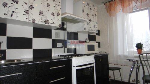 2-комнатная квартира (55м2) на продажу по адресу Сертолово г., Заречная ул., 1— фото 1 из 14