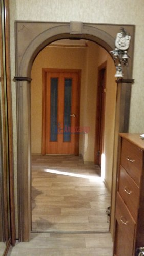 3-комнатная квартира (70м2) на продажу по адресу Ударников пр., 30— фото 6 из 7