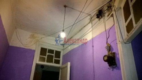 Комната в 5-комнатной квартире (142м2) на продажу по адресу Невский пр., 95— фото 8 из 16