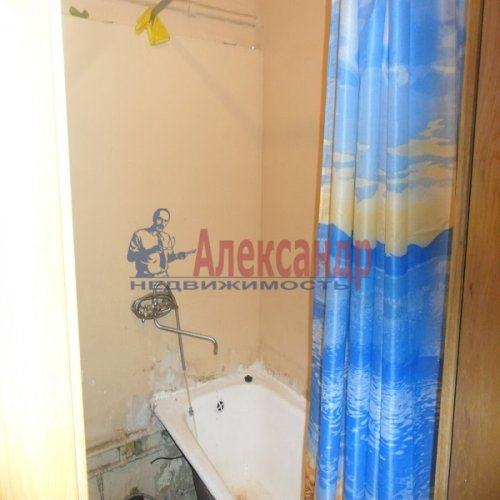 2-комнатная квартира (49м2) на продажу по адресу Апрельская ул., 5— фото 7 из 17