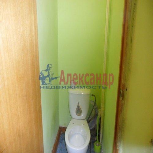2-комнатная квартира (49м2) на продажу по адресу Апрельская ул., 5— фото 8 из 17