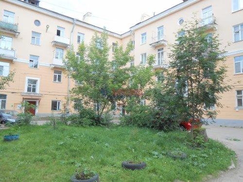 4-комнатная квартира (101м2) на продажу по адресу Волхов г., Волховский пр., 35— фото 2 из 9