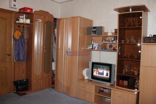 Комната в 20-комнатной квартире (588м2) на продажу по адресу Бумажная ул., 20— фото 5 из 7