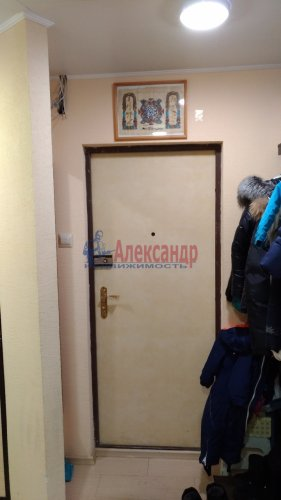 3-комнатная квартира (69м2) на продажу по адресу Сестрорецк г., Инструментальщиков ул., 15— фото 2 из 10